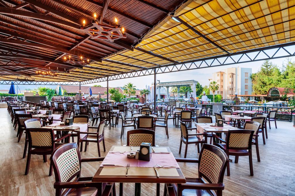 رستوران ها و امکانات رفاهی هتل کاپلان پارادایس آنتالیا