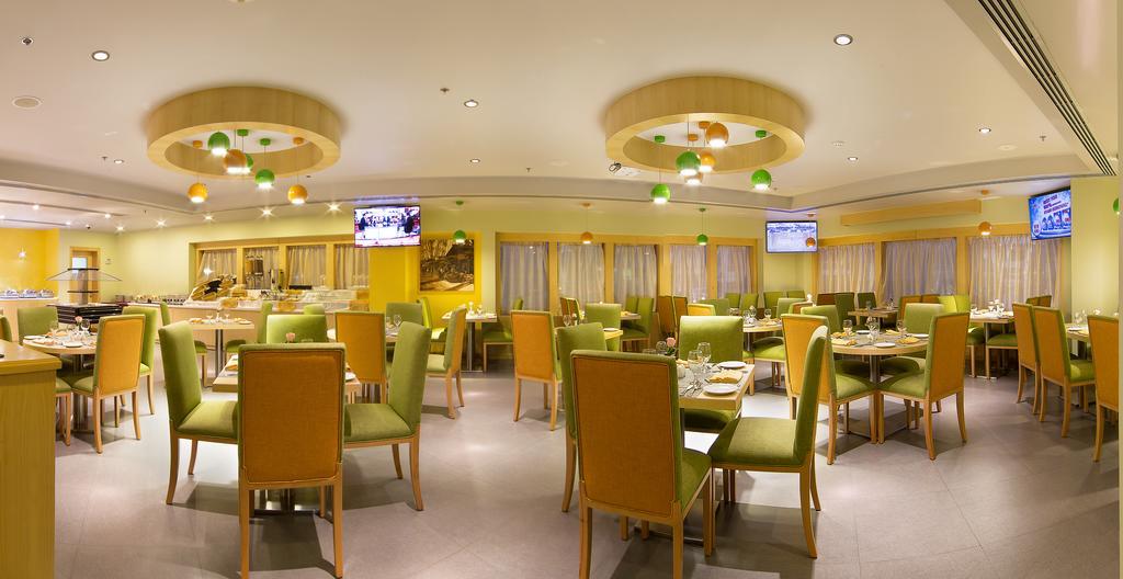 رستوران ها و امکانات رفاهی هتل سان اند اسکای دبی