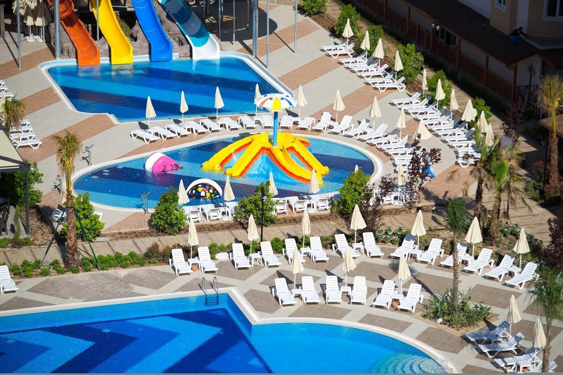 رستوران ها و امکانات رفاهی هتل ملاس لارا آنتالیا