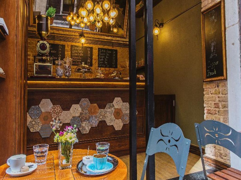 رستوران ها و امکانات رفاهی هتل مرودی پرا استانبول