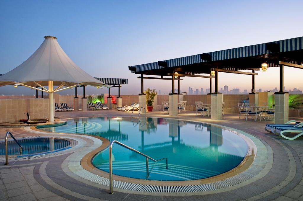 رستوران ها و امکانات رفاهی هتل گرند اکسلسیور بر دبی
