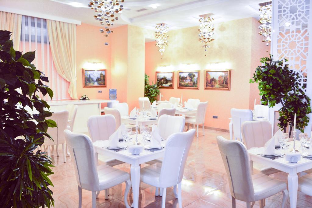 رستوران ها و امکانات رفاهی هتل ادمیرال باکو