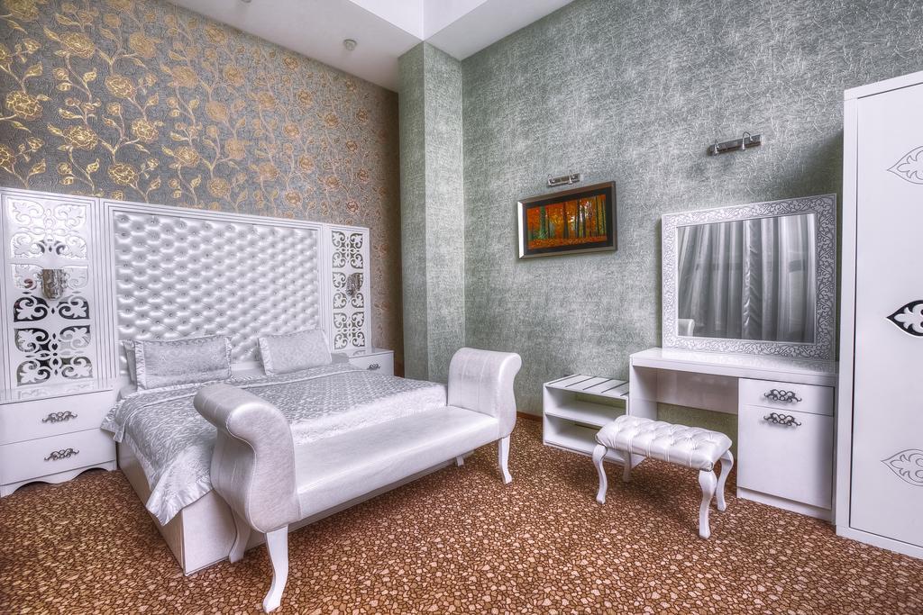 اتاق های هتل ادمیرال باکو