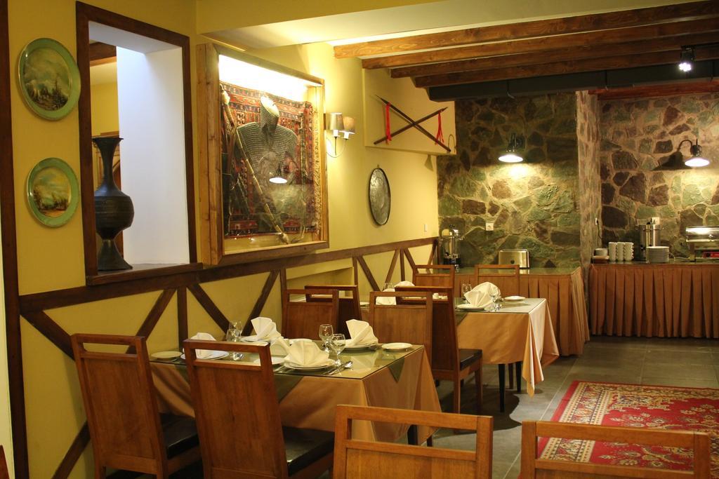 رستوران ها و امکانات رفاهی هتل پرستیژ پالاس تفلیس گرجستان