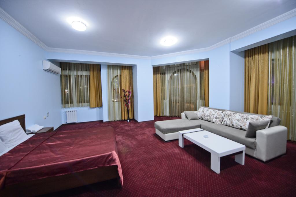 اتاق های هتل اولد تاون باتومی گرجستان
