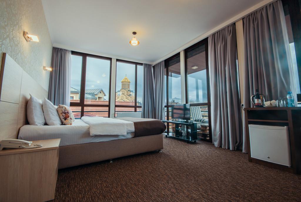 هتل لایت هاوس اولد سیتی تفلیس گرجستان