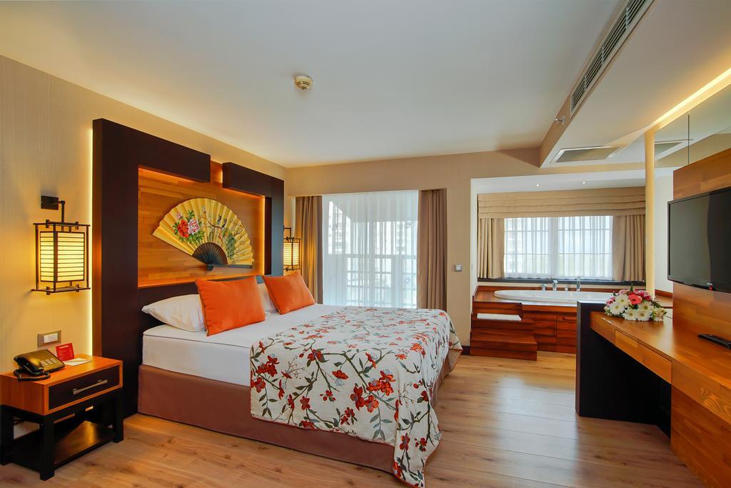 اتاق های هتل لیماک لارا آنتالیا
