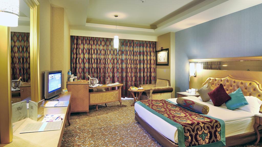 اتاق های هتل رویال هالیدی پالاس آنتالیا
