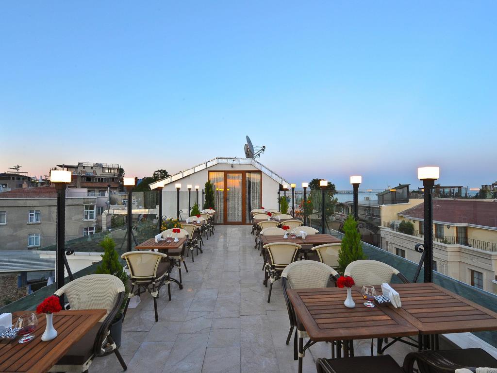 رستوران ها و امکانات رفاهی هتل آلبیناس استانبول