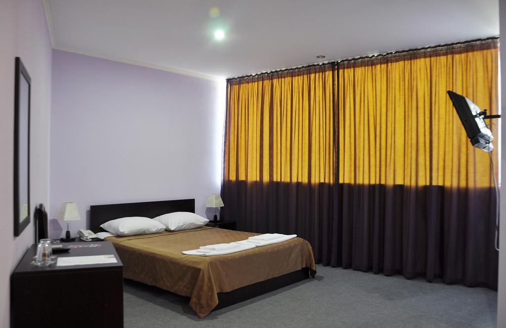 اتاق های هتل شاین پالاس تفلیس گرجستان