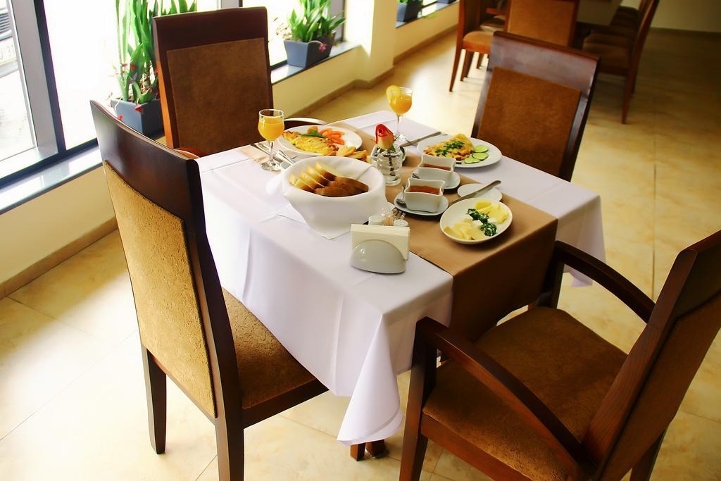رستوران ها و امکانات رفاهی هتل شاین پالاس تفلیس گرجستان