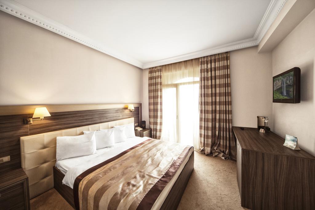 اتاق های هتل کروز تفلیس گرجستان