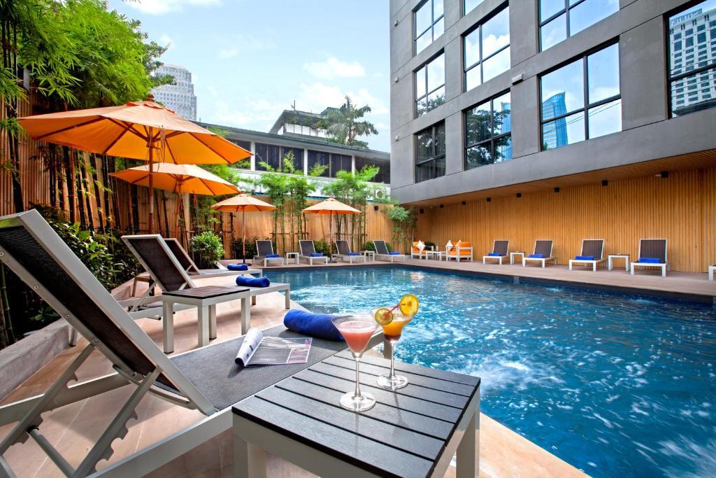 امکانات رفاهی و رستوران های هتل گالریا 12 بانکوک تایلند