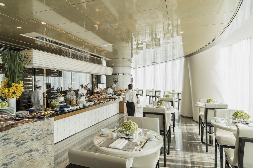 امکانات رفاهی و رستوران های هتل فور سیزن گوانجو چین