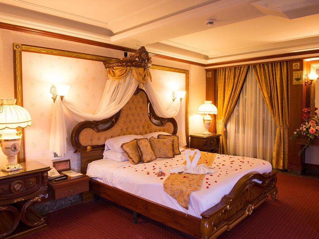 اتاق های هتل اسپیناس تهران