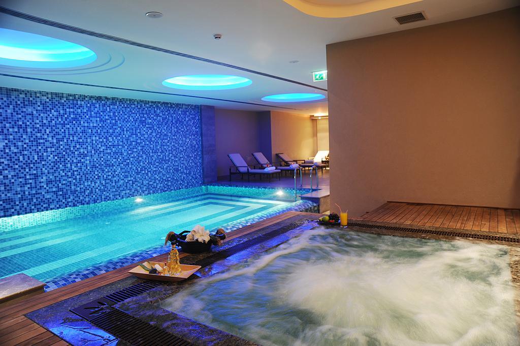 رستوران ها و امکانات رفاهی هتل تیتانیک استانبول