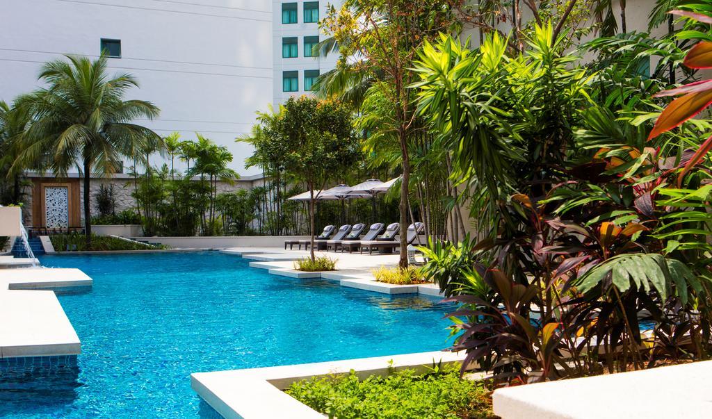 رستوران ها و امکانات رفاهی هتل ریتز کارلتون مالزی