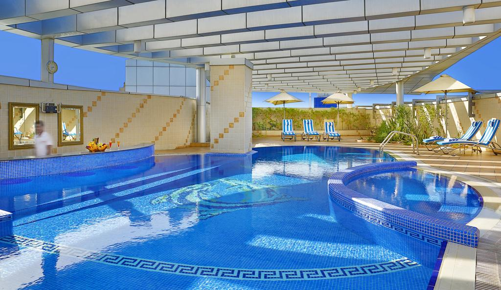 امکانات رفاهی و رستوران های هتل سیتی سیزن دبی
