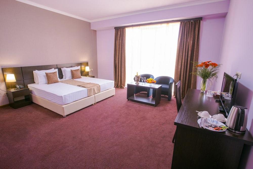 هتل سیلاچی ایروان ارمنستان