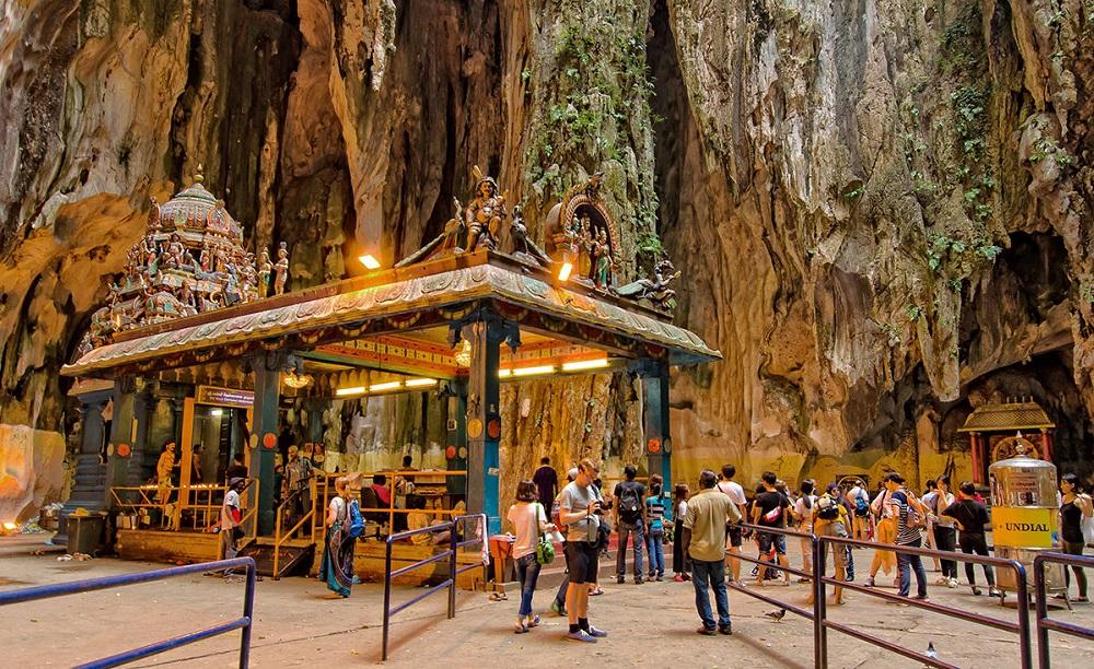 غار میمونها و معبد باتو کیو