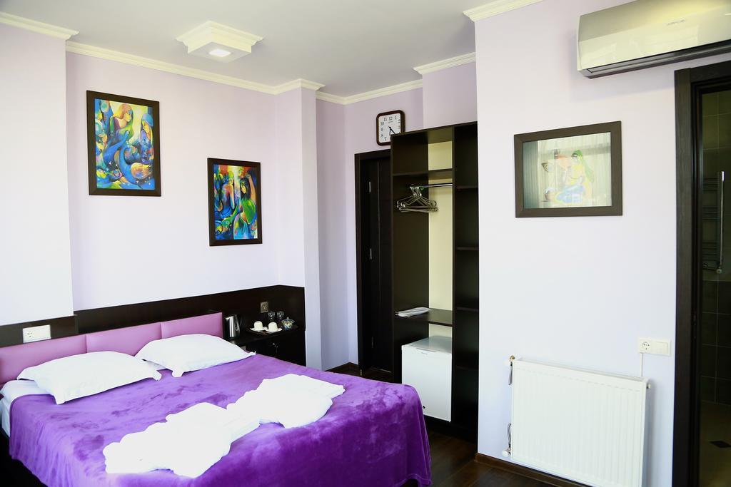 اتاق های هتل گورو تفلیس