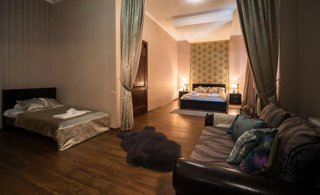 اتاق های هتل گلد استار تفلیس گرجستان