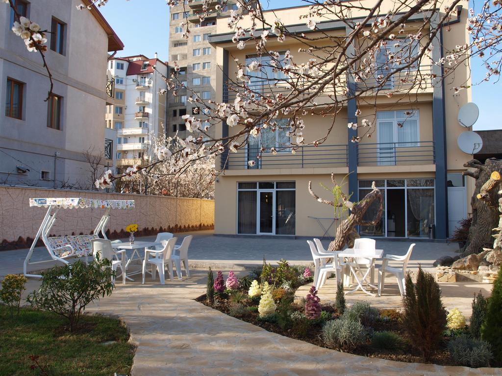 رستوران ها و امکانات رفاهی هتل لیل تفلیس