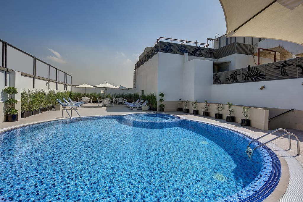 امکانات رفاهی و رستوران های هتل رین تری دبی
