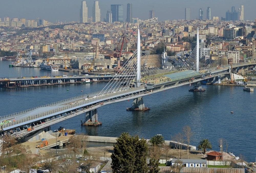 پل متروی گلدن هورن استانبول
