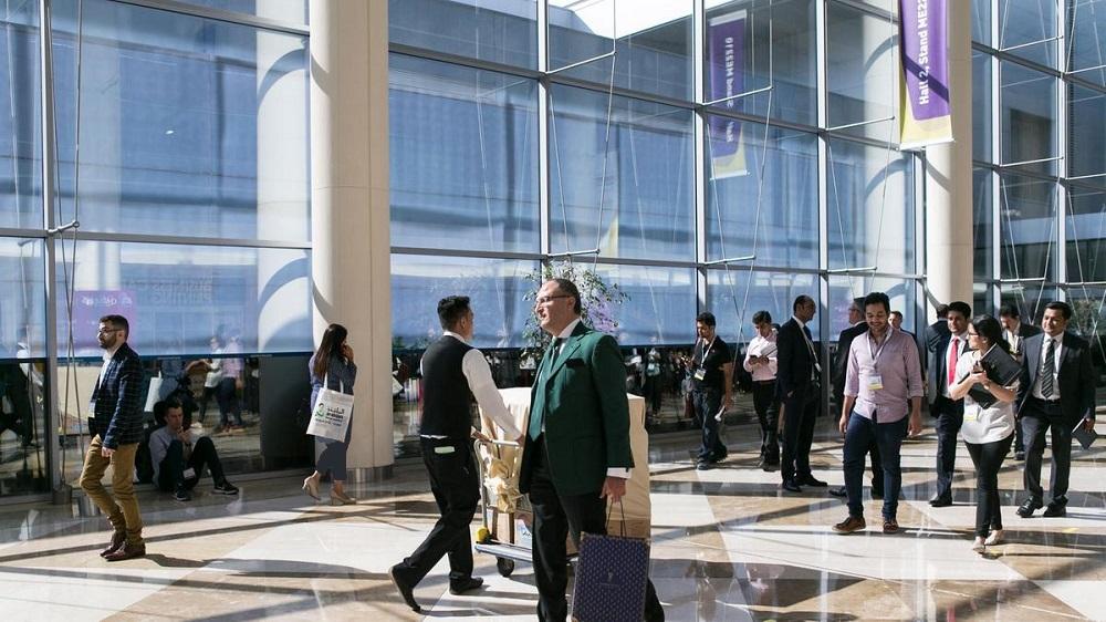 افراد معروفی که همیشه از مرکز تجارت جهانی دبی دیدن می کنند