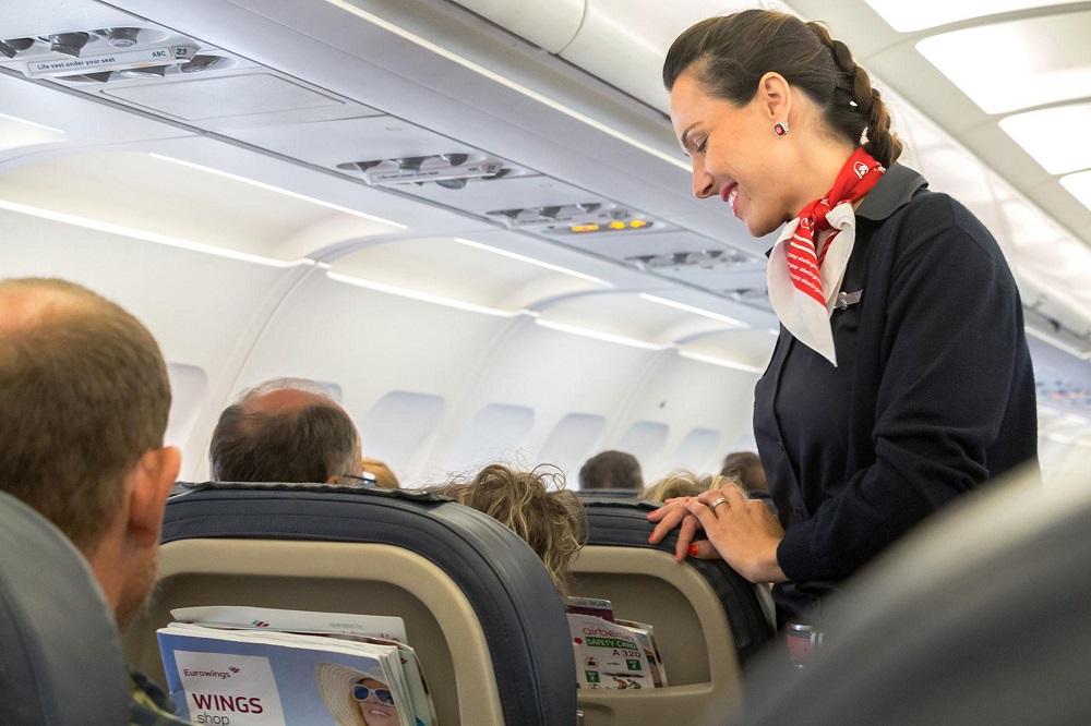 4توصیه مهم برای کسانی که ترس از پرواز دارند