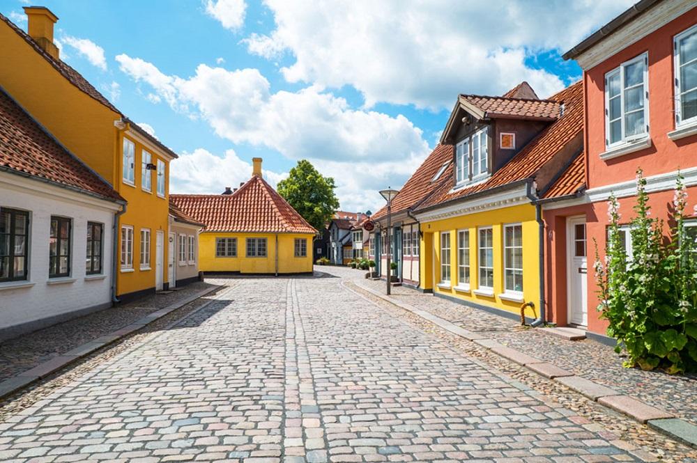 ادنس در دانمارک