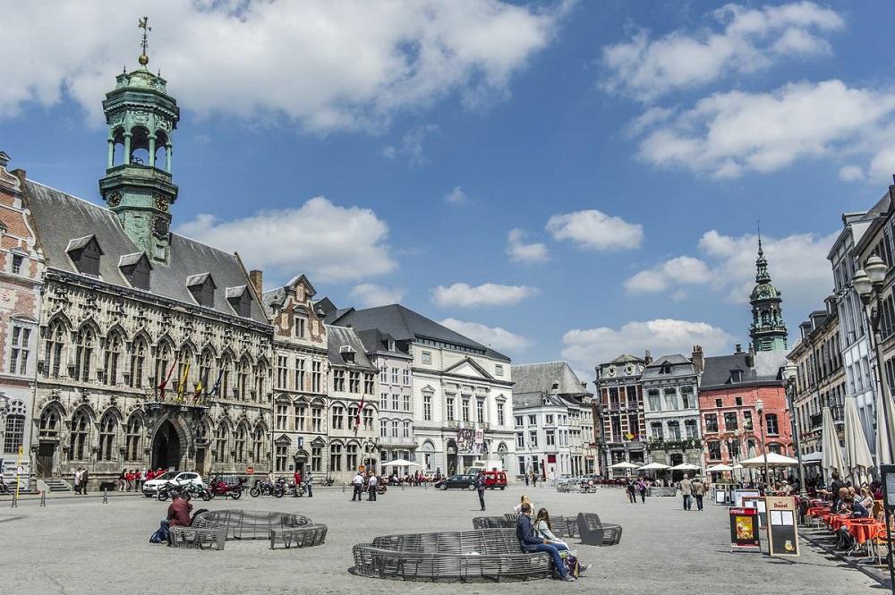 مانس در بلژیک
