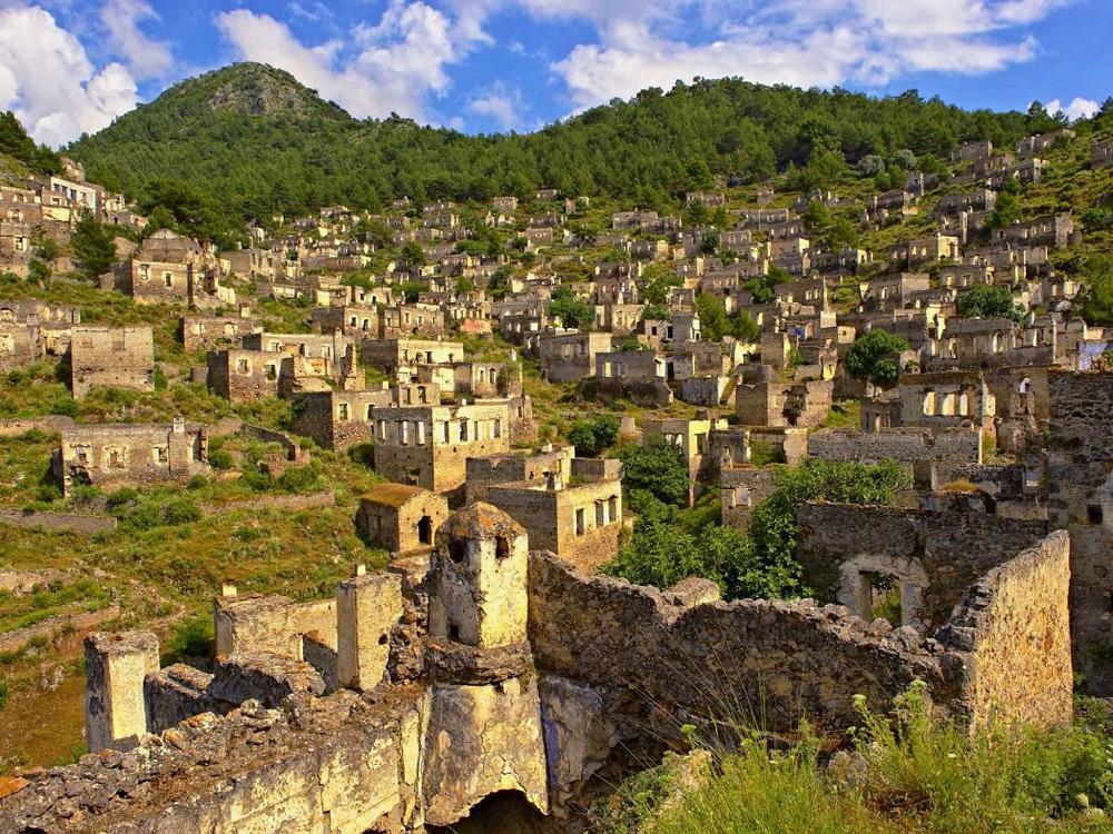 از شهر ارواح کایاکوی در ترکیه دیدن کنید