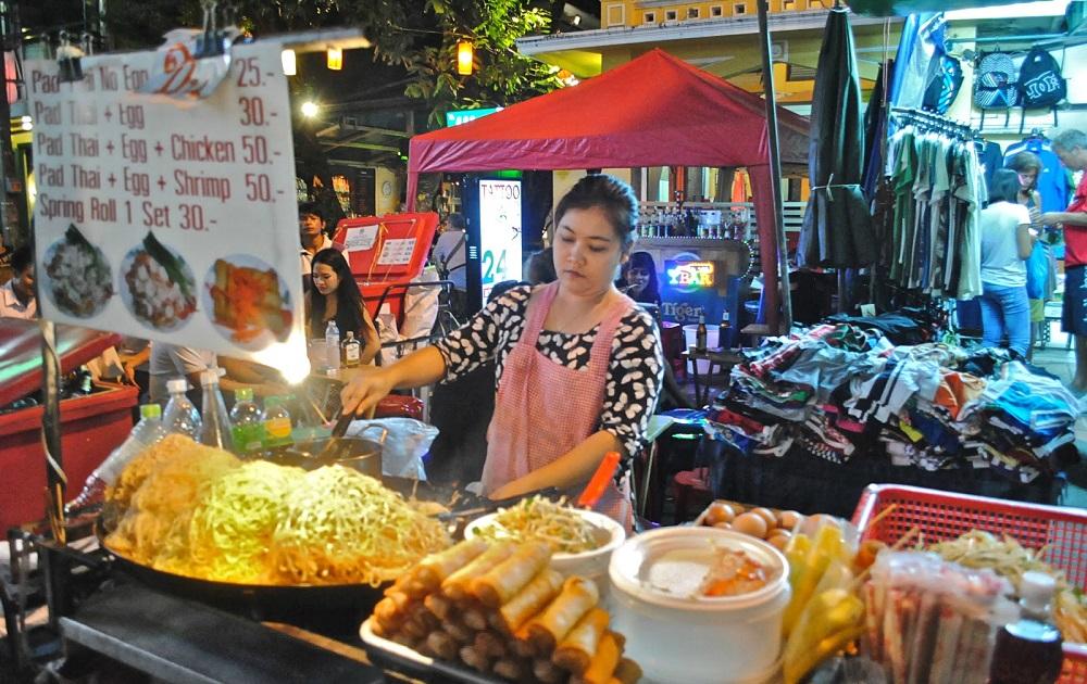 خیابان خائو سان در بانکوک
