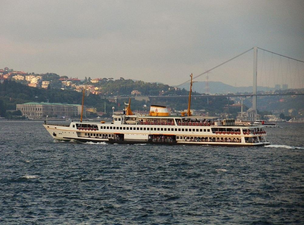 کشتی کاراکوی فری استانبول