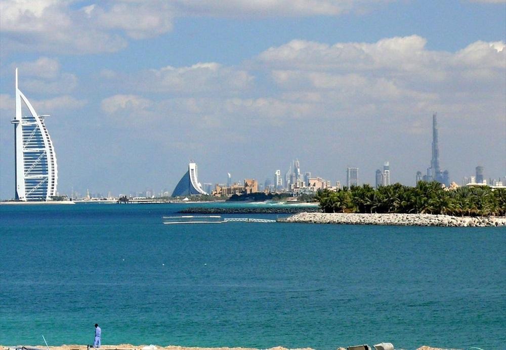 زمستان در دبی فصل ساحل هاست