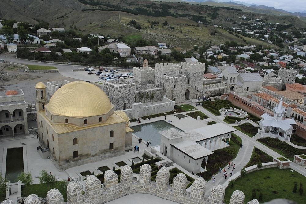 مسجد در قلعه رباتی در شهر آخالتسیخه