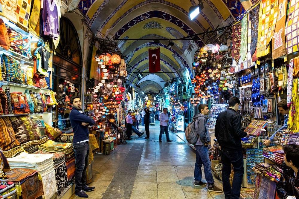 خرید در بازار بزرگ استانبول