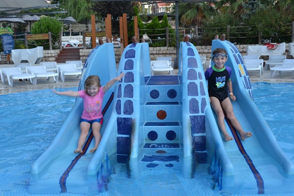 ایستگاه های پارک آبی دلفین در قسمت آسیایی استانبول