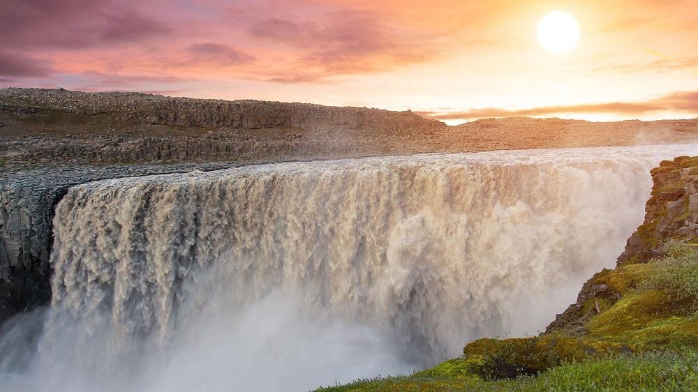 آبشار دتیفوس ایسلند
