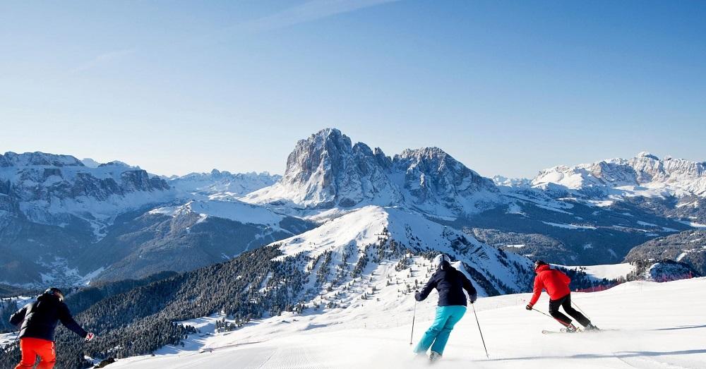 تفریحات تنوع در بهترین پیست اسکی وال گاردنا ایتالیا