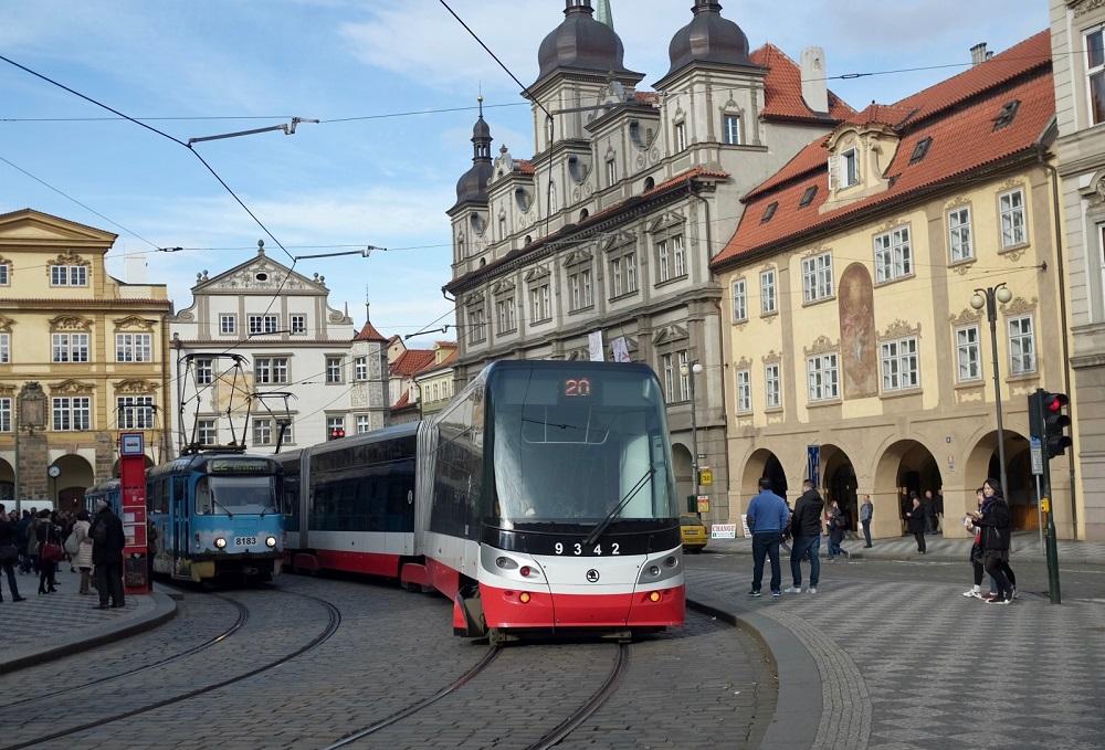 وسایل حمل و نقل شهری در شهر پراگ به چه صورت است؟