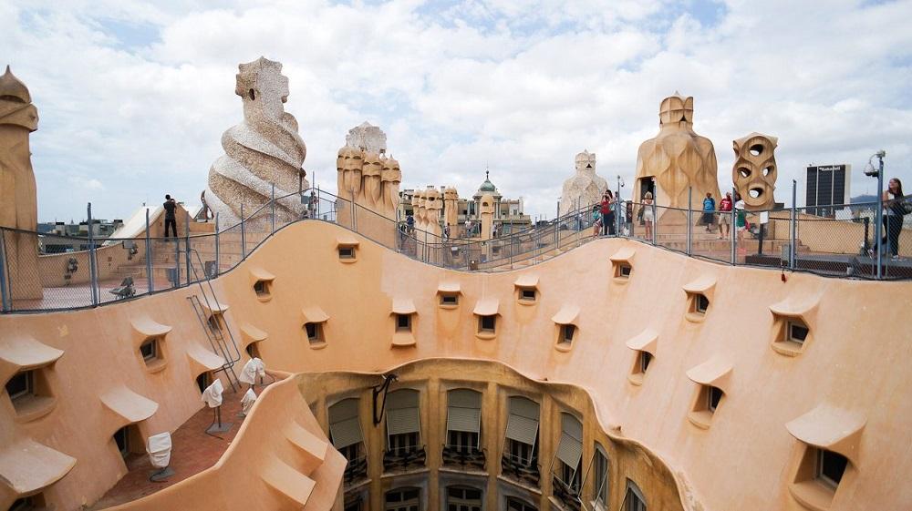 معماری شگفت انگیز قصر کازامیلا