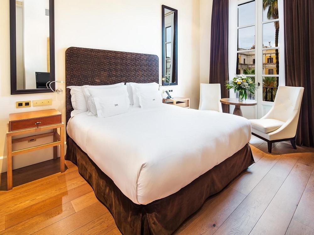 هتل دی ا پلاکا ریآل جی.ال بارسلونا