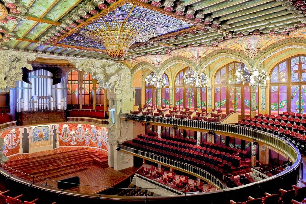 قصر موسیقی کاتالان در بارسلونا