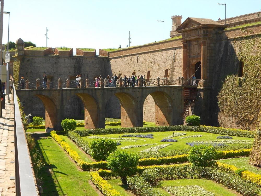 قلعه مونتجیک در بارسلونا