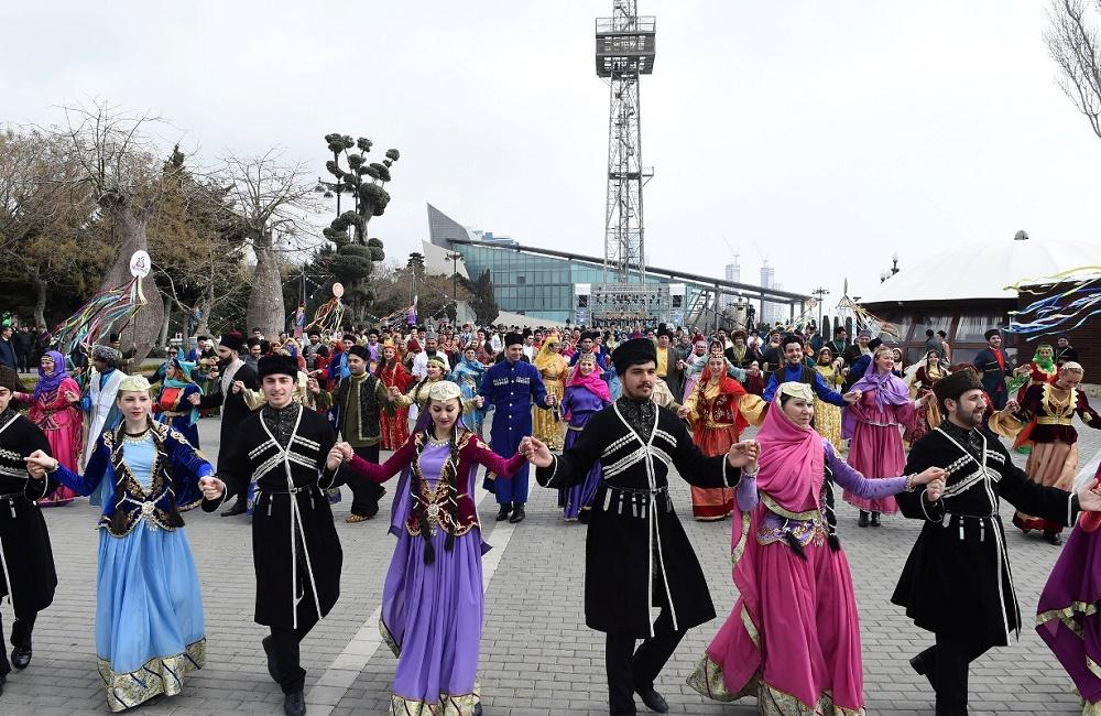 کشور آذربایجان، با بیشترین جمعیت مسلمان