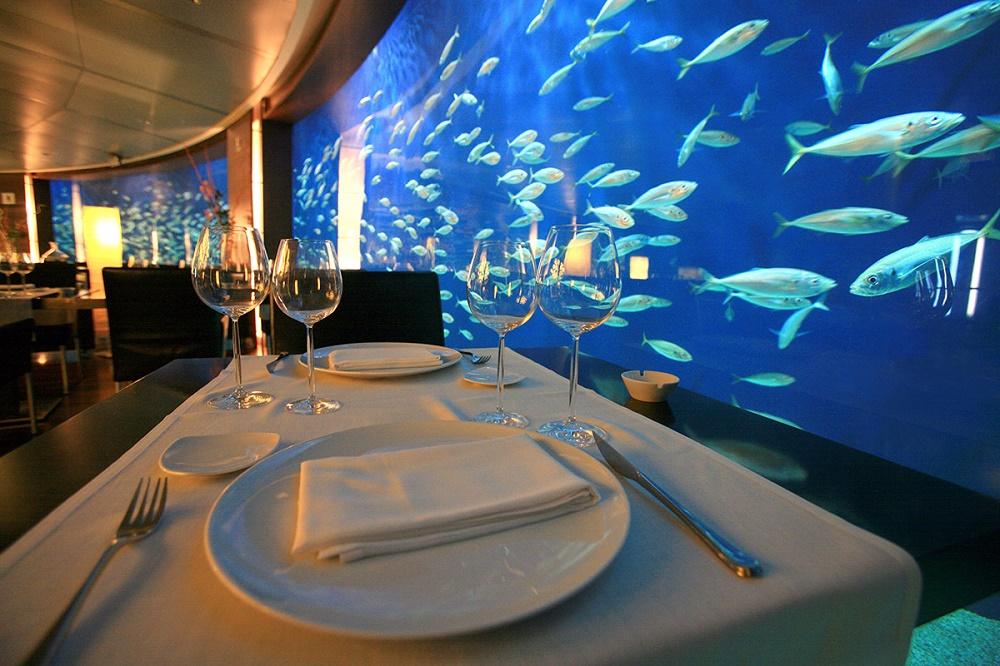 رستوران ها و دیگر امکانات رفاهی در آکواریوم اقیانوس شناسی در والنسیا