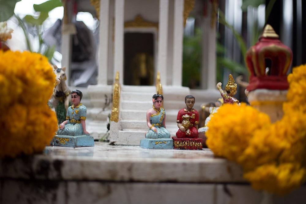فیلها و مجسمههای بودا در تایلند
